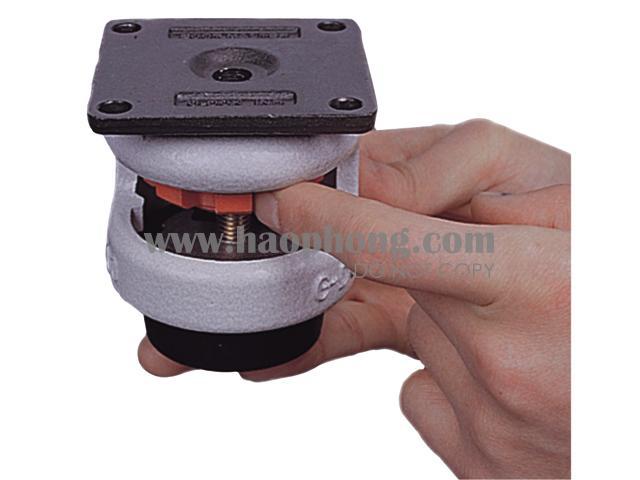Có thể dùng tay để nâng hạ nếu thiết bị không quá nặng