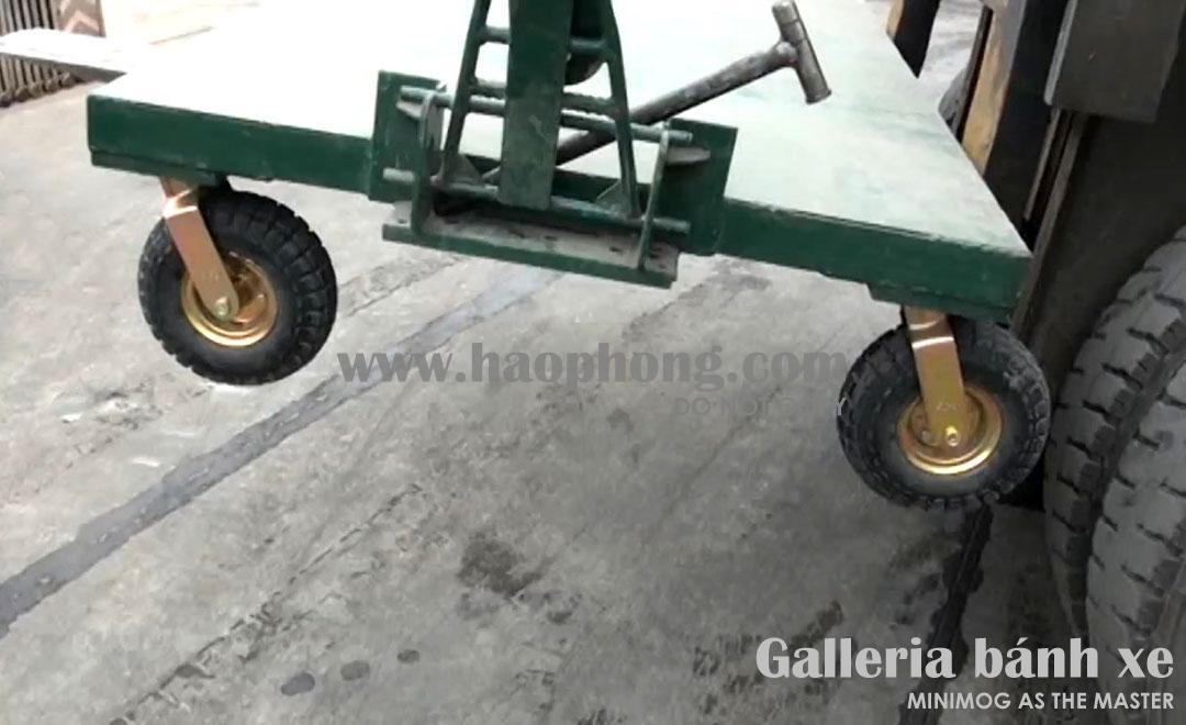 Xe đẩy thử nghiệm được cẩu lên cao để dễ đánh giá & kiểm nghiệm